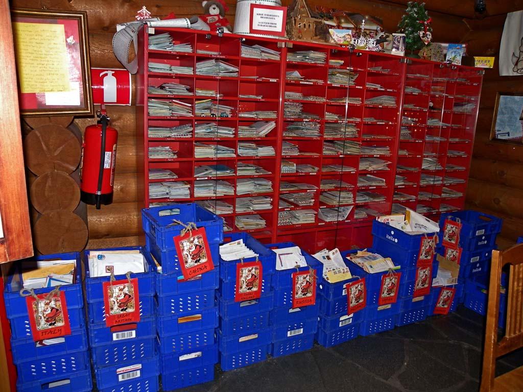 IMGP0619_santa-village-post-office