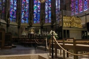 IMGP0157_aachen_cattedrale_coro_Marienschrein_sarcofago-CMagno-2.-piano_res1024