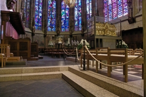 IMGP0159_aachen_cattedrale_coro_Marienschrein_sarcofago-CMagno-2.-piano_res1024