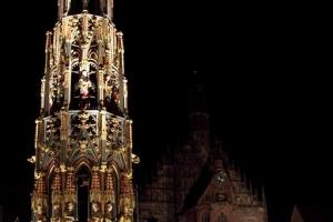 100B2682_SchoenerBrunnen-Frauenkirche.jpg