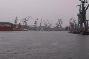100_4461_cantieri navali.jpg
