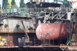 100_4210_cantieri navali.jpg
