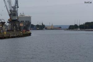 100_4245_cantieri navali.jpg