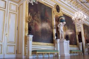 100_3606_stare miasto-castello reale_sala dei cavalieri_statua crono.jpg