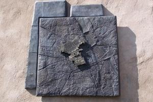 100_3711_ghetto ebraico_monumento 300 vittime.jpg
