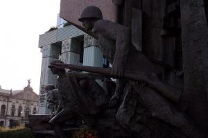 100_3508_eroi rivolta varsavia.jpg