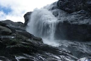 IMGP5829_glacier de vaud-cascata