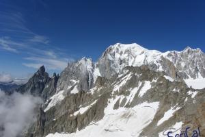 IMGP5958_Aiguille Noire de Peuterey-Les Dames Anglaises-Pic Gugliermina-Mont Blanc de Courmayeur-da Punta Hellbronner