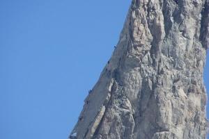 IMGP5955_rocciatori su dente gigante-da Punta Hellbronner