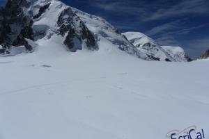 IMGP6051_sullovovia verso Aiguille du Midi-alpinisti