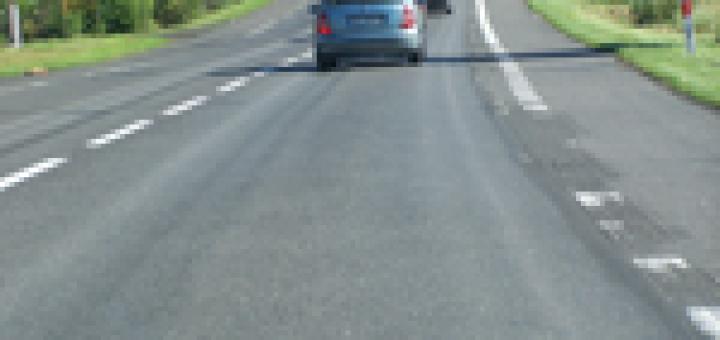 corsie nell'asfalto