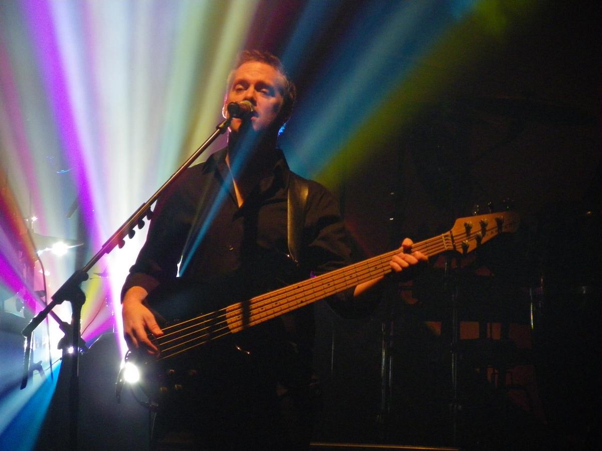 Ian Cattell, baso e voce