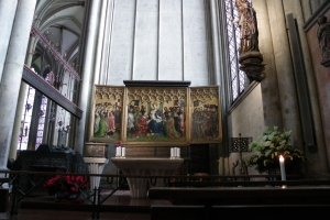 IMGP0070_colonia_cattedrale_interno_res1024