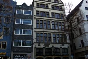 IMGP9895_Colonia_RathausPlatz_res1024