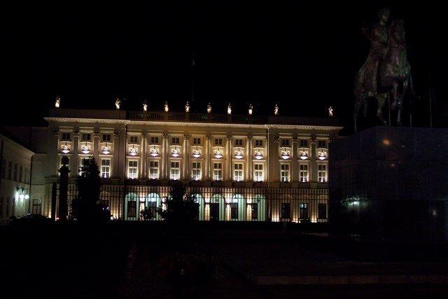 100_3399_palazzo presidenziale.jpg