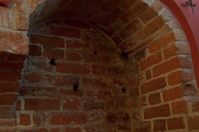 100_3588_stare miasto-castello reale_dinamite nazisti.jpg