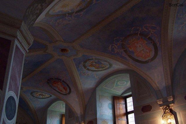 100_3590_stare miasto-castello reale.jpg