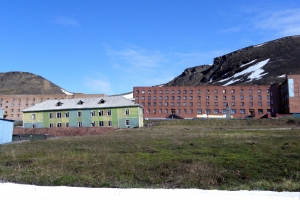 IMGP7286_Barentsburg_casa crollata_x