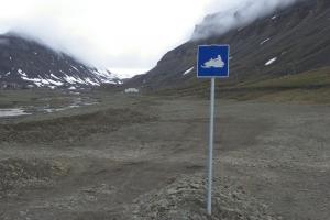 IMGP7847_Longyearbyen_cartello motoslitte