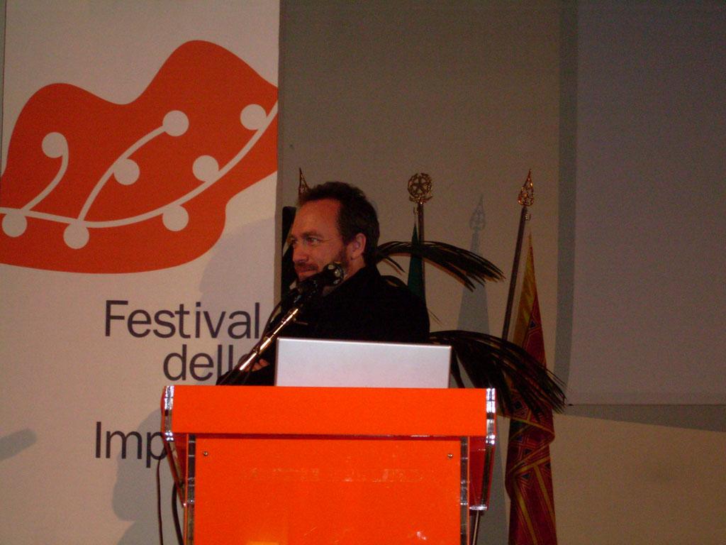 Jimmy Wales di Wikipedia all'incontro di Borgoricco
